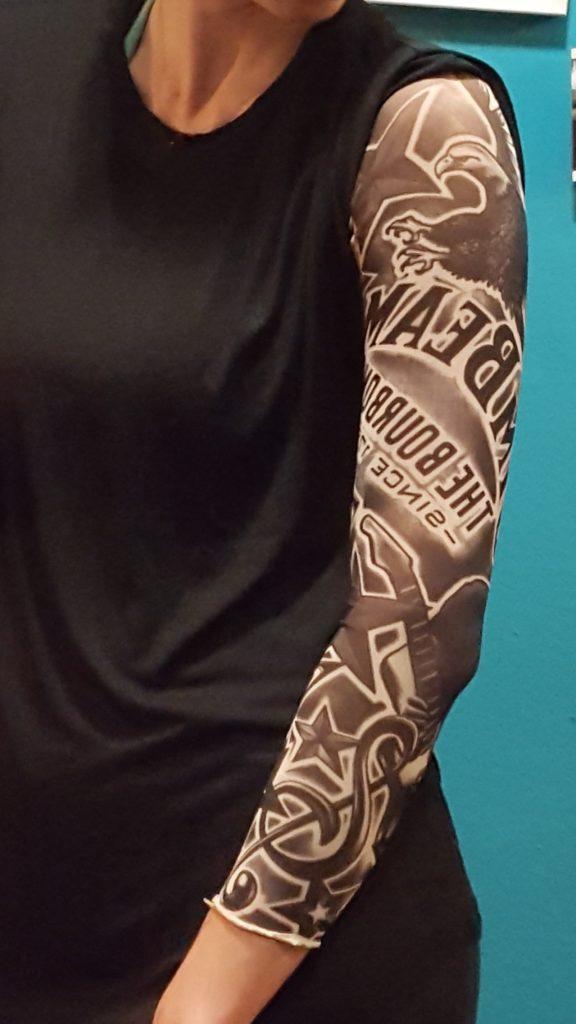t towierter arm in sekundenschnelle tattoo rmel der grazer achtnull. Black Bedroom Furniture Sets. Home Design Ideas